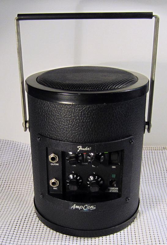 sold for sale fender 12v portable amp 39 amp can 39. Black Bedroom Furniture Sets. Home Design Ideas
