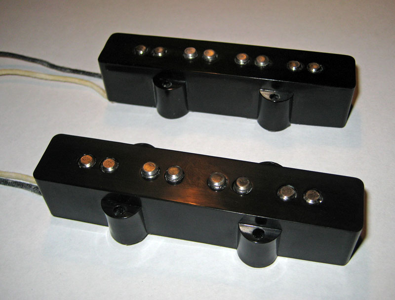 Diferença na intensidade do som de cada corda Jbass-AV-RI-pups01